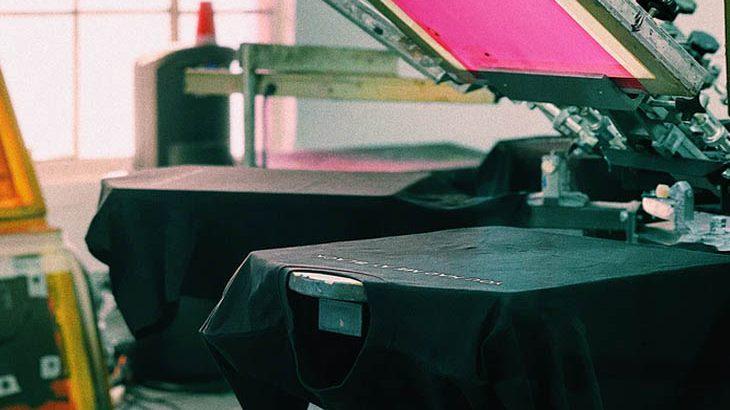 screen printing t-shirts